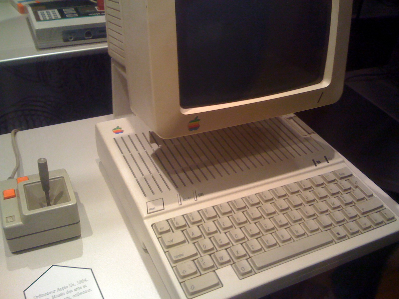 ordinateur_mac-1984