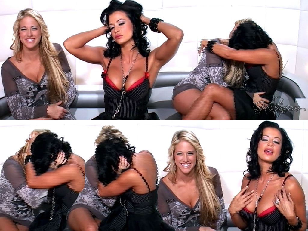 Candice Michelle et Kelly Kelly   Le grand journal 30.09.08