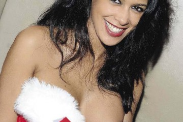Ayem-oops-christmas-party-seven-closer-342
