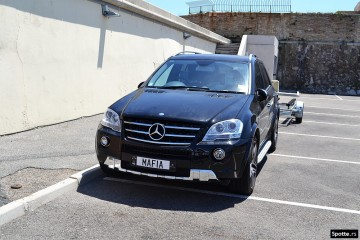Mercedes-Benz-ML63-AMG-MAFIA-Megaupload