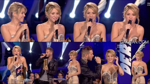 Shakira sexy aux NRJ Music Awards 2012 pour son disque de diamant (photos)