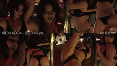 Vanessa Hudgens sexy en strip teaseuse dans Frozen Ground (video)