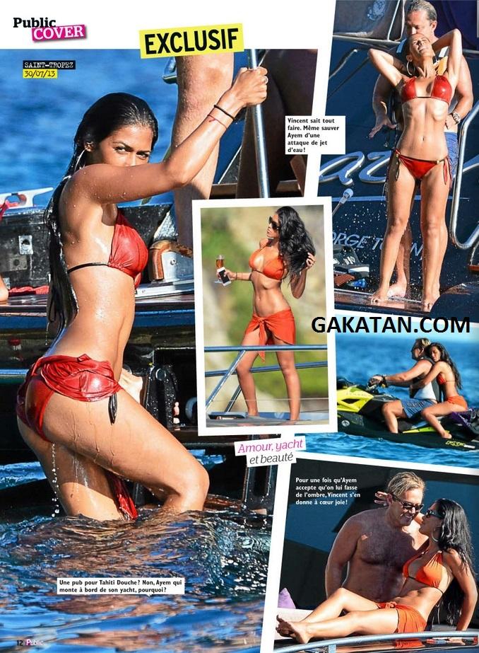 ayem sexy en bikini et en couple st tropez dans public photos