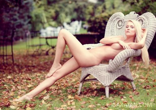 Tatiana-Laurens-Delarue-nue-Entrevue-Fevrier-2014-01
