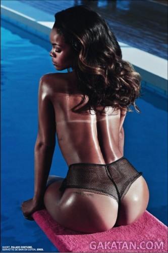 Rihanna-nue-LUI-magazine-4-GaKaTaN