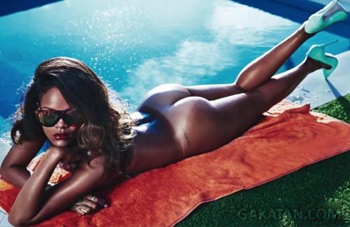 Rihanna-nue-LUI-magazine-5-GaKaTaN