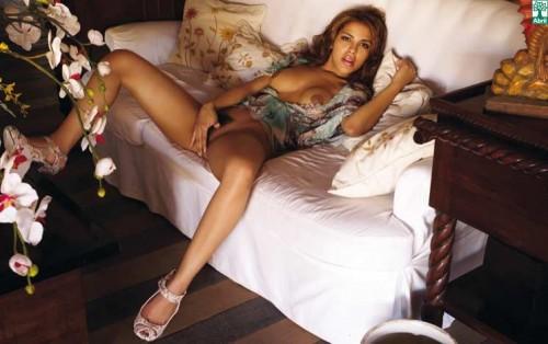 Gyselle-Soares-nue-Playboy-Bresil-Septembre-2008-08