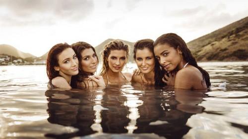 Laury-Thilleman-Malika-Menard-Delphine-Wespiser-Camille-Cerf-Flora-Coquerel-bikini-TV-Mag-croisiere-caraibes-02