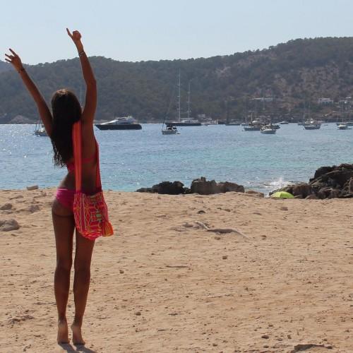 Malika-Menard-sexy-bikini-Ibiza-Aout-2015-2