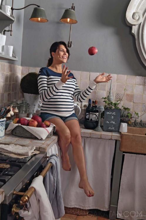 Karine-Ferri-enceinte-Paris-Match-3468-04