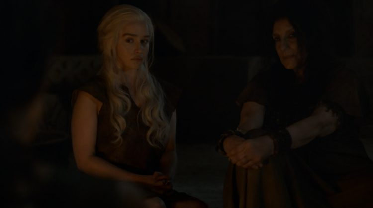 Emila-Clarke-nue-Game-of-Thrones-GOT-S06E04-preview